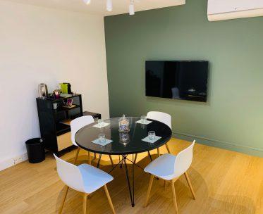 Salon Green 5